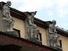 Rzeźby na dachy Urzędu Miasta