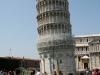 Krzywa wieża jest krzywa